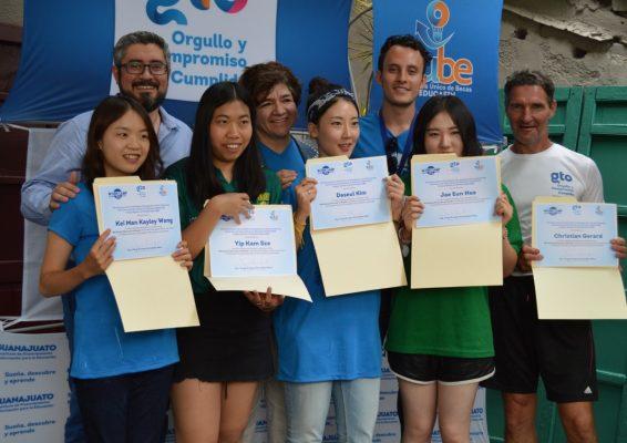 Concluyen voluntariado internacional