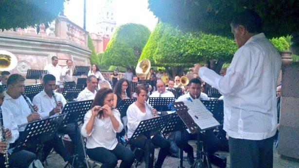 Disfrutan concierto en Centro Histórico