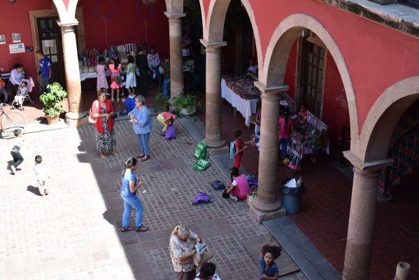 """Dan a conocer artesanías de seis etnias indígenas en la Casa de la Cultura """"Diego Rivera"""""""