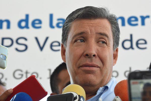 Avala Márquez reducción de salarios de funcionarios
