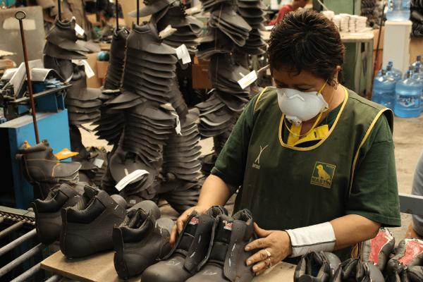Se queda sin obreros la industria del calzado