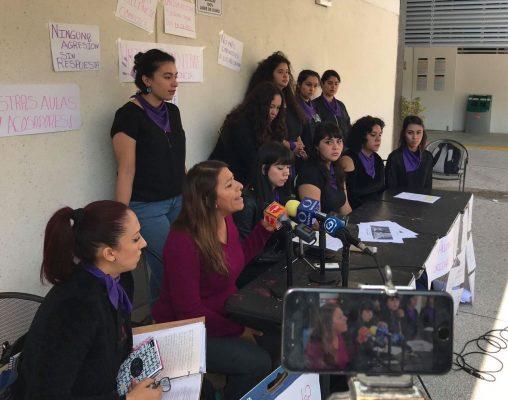 Denuncian alumnas de la UG acoso sexual por parte de docentes