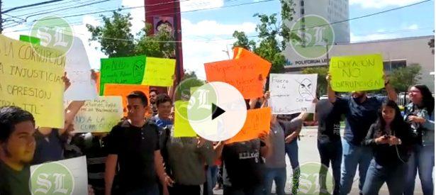[Video] Alumnos del ITL exigen renuncia de su director