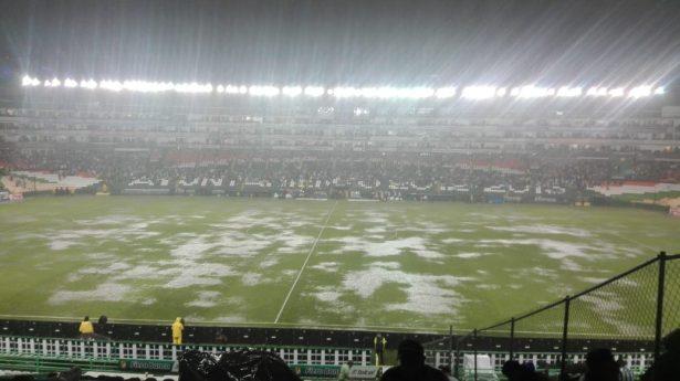 A Nacho Ambriz le llovió de todas las maneras posibles