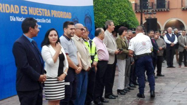 Reconocen a elementos de Protección Civil en León