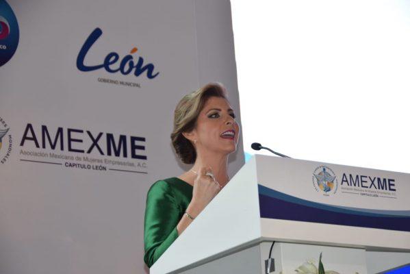 Es Leticia Venegas presidenta electa de AMEXME capítulo León