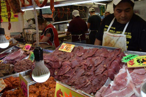 Cierran 25 establecimiento de expendedores de carne fresca en la ciudad