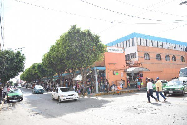 "Comerciantes denuncian ser víctimas de ""cobro de piso"""