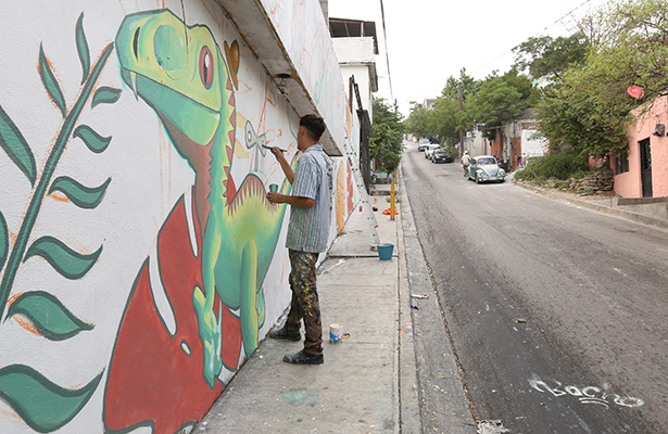 Con murales transforman fachadas de Monterrey