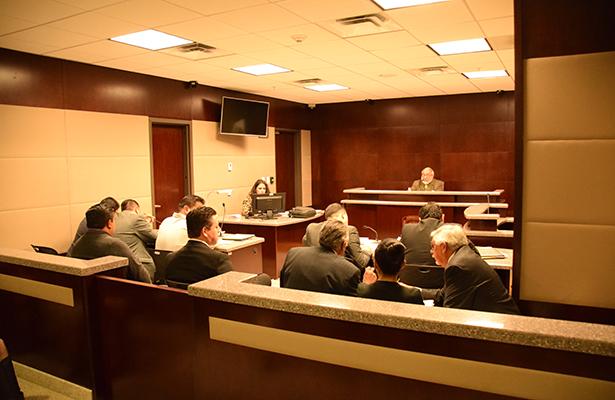 Llama juez al diputado federal Carlos Hermosillo a declarar