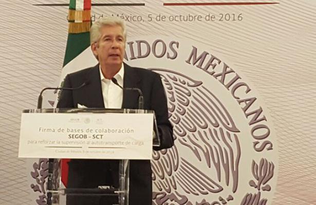 Pide Ruiz Esparza acelerar cesión de puertos a la Semar