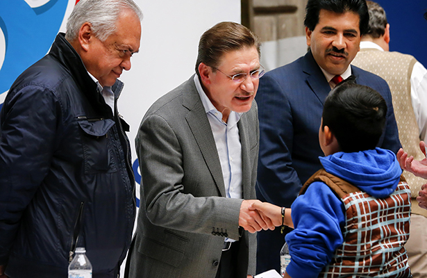Atiende Aispuro Torres directamente  a la ciudadanía