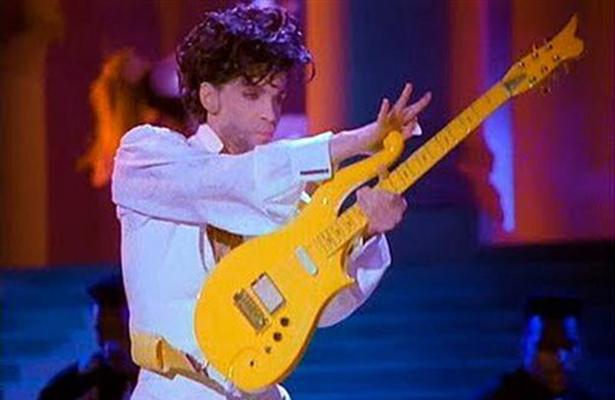 Salen a subasta las guitarras de Jimi Hendrix y Prince