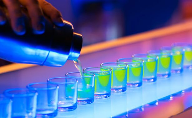 Despenalizan ingreso de menores a bares