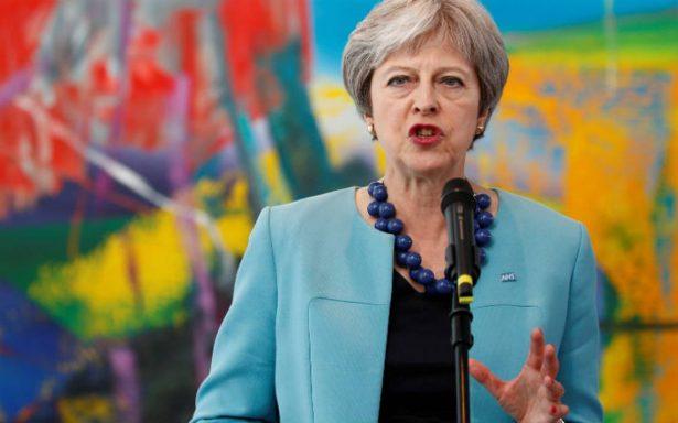 Tras renuncias, Gran Bretaña no someterá acuerdo Brexit a nuevo referéndum: May