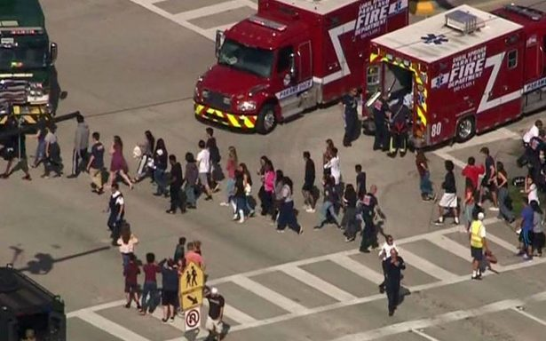 Identifican a tirador en secundaria de Florida que dejó 17 muertos