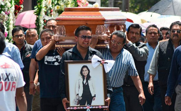 Médicos claman justicia para su compañera hallada muerta en Huixquilucan