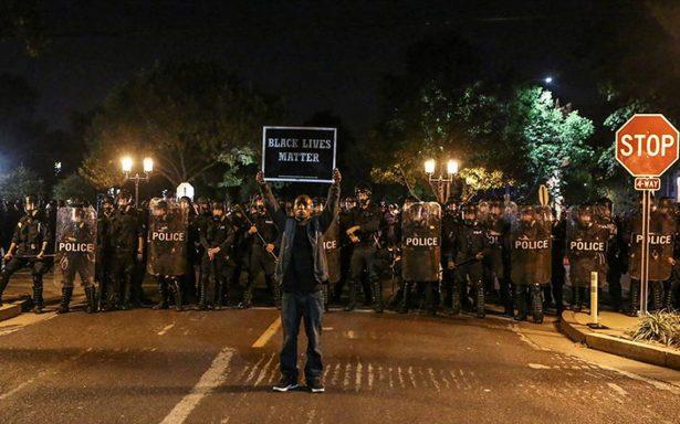 Protestas estallan en Missouri por absolución de policía blanco que mató a joven negro