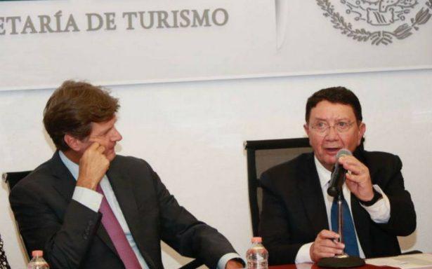 Peña Nieto condecora a Taleb Rifai la Orden Mexicana del Águila Azteca