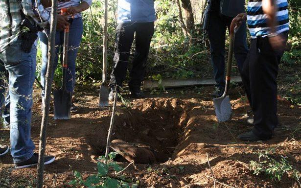 Más fosas clandestinas en Guerrero; exhuman 8 cadáveres en Chilpancingo