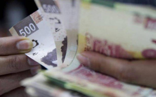 Peso cae previo a debate presidencial; dólar se vende en 18.96
