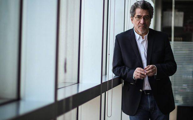 """El escritor mexicano Rafael Pérez Gay habla de """"Arde, memoria"""", su reciente libro"""