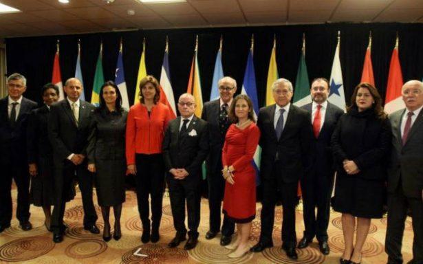 """Cancilleres piden nuevo calendario electoral y """"corredor humanitario"""" en Venezuela"""