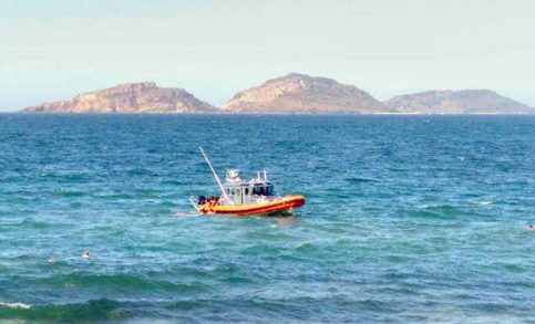 Turista muere ahogado en Olas Altas, rescatan a otros cuatro