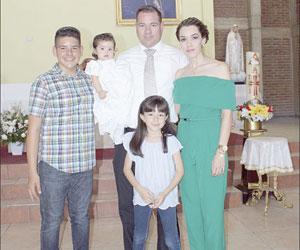 Bautizan a Alexa Tirado Medrano