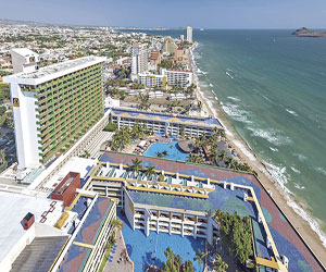 Reconocen a Hoteles El Cid como los mejores de México y el Mundo