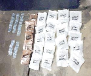 Delincuentes abandonan decenas de dosis de droga, por presencia policial