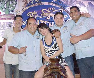Celebra a lo grande la guapa Fátima Reynosa