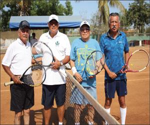 Festejan a lo grande a los papás con campeonato de Tenis