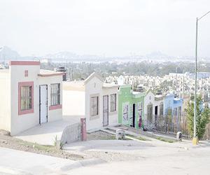Piden al Municipio apoyo para adquirir casas solas del Infonavit