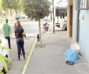 Matan a indigente frente a la Cruz Roja