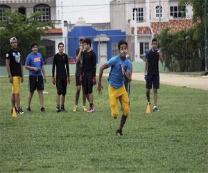 Porteños ponen a prueba sus habilidades en visoría de Futbol Americano