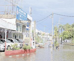 """Deja """"Jova"""" Inundaciones y Caos en Mazatlán"""