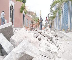 Admite constructor error topográfico en calle Benito Juárez