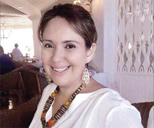 Abrazan en su cumpleaños a Alma Morales de Soria