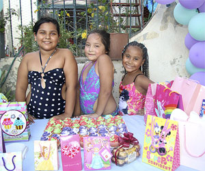 Comparten fiesta de cumpleaños Emily Tapia Morales, Ithana Juárez Avilés y Elizabeth Morales Cuellar