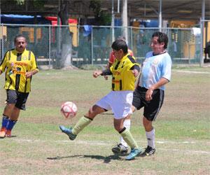 La escuadra de Cooperativa 21 de Agosto- Villafuerte terlminó con buenos números la fase de Copa, de la Liga de Futbol Diamante, que se llevaba a cabo en las instalaciones del Club Deportivo Muralla. Foto: El Sol de Mazatlán.
