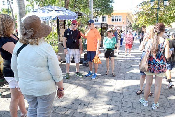 Crecerá arribo de turismo extranjero a Mazatlán