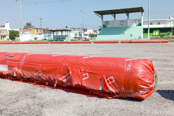 Llega el pasto sintético de la Unidad Deportiva Toledo Corro