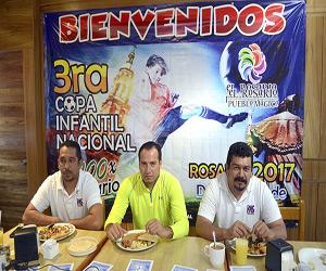 El balón rodará por tercera edición consecutiva dentro de la Copa Infantil de Futbol El Rosario 2017, misma que se estará llevando a cabo del 1 al 3 de diciembre, donde esperan más de 80 equipos participantes. Foto: Arturo Gutiérrez / El Sol de Mazatlán.