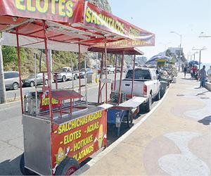 Exigen vendedores respeten su área de Trabajo
