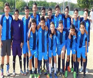 """La escuadra de Pachuca venció claramente 3-0 a su similar de Dportenis, en la final de Copa de la Liga de Futbol Juvenil """"A"""" Municipal, que promueve Jorge Ocaranza Tapia."""