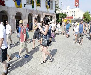 Continúa actividad turística con la llegada del Grand Princess
