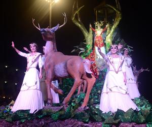 Gozan del primer desfile del Carnaval miles de mazatlecos y turistas