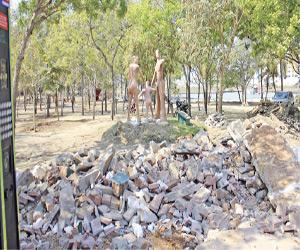 Plazoletas del Bosque reducidas a escombros