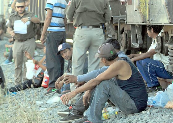 Llega caravana de migrantes a Mazatlán